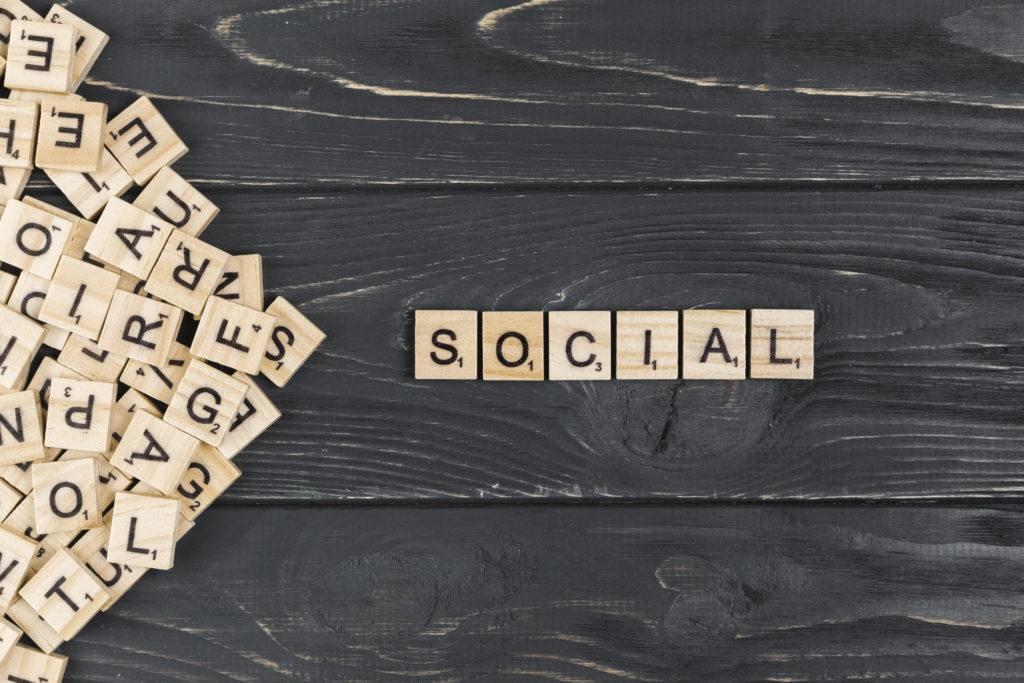 illustration : le mot social